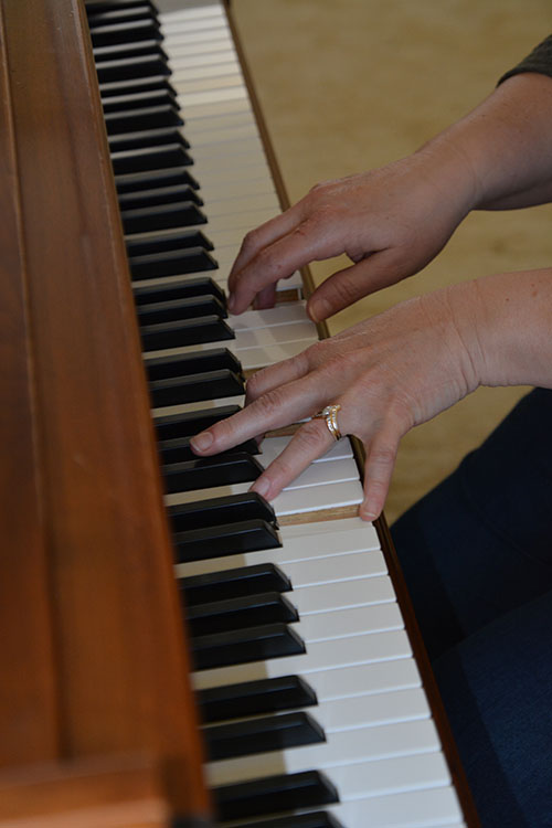 Piano Hands Gallery 0664d035f94a