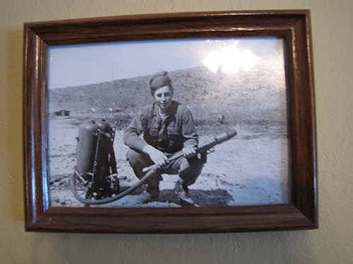 War Pic Of Matt Can You Zoom In On This D204db61
